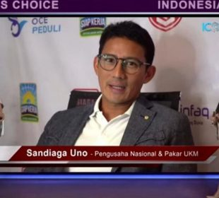 Pengusaha national Sandiaga S. Uno saat menyampaikan sambutan Indonesia's Most Popular Digital Financial Brands Award, Jumat (26/06/2020) di Jakarta/Iconomics